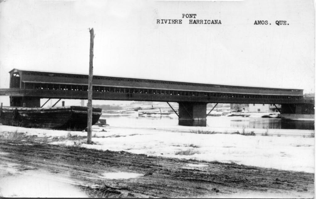61-01-58 Les traverses de l'Harricana #6  pont & trottoir coll. G. Arbour