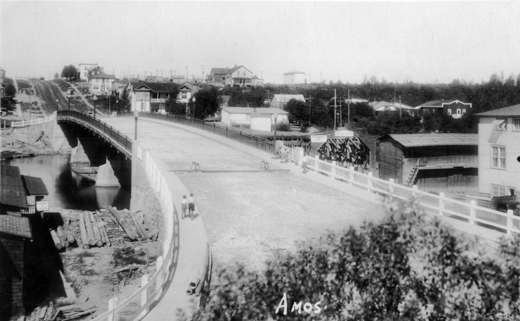 61-01-58 Les traverses de l'Harricana #7 1er pont Desmarais 1939 coll. G. Arbour