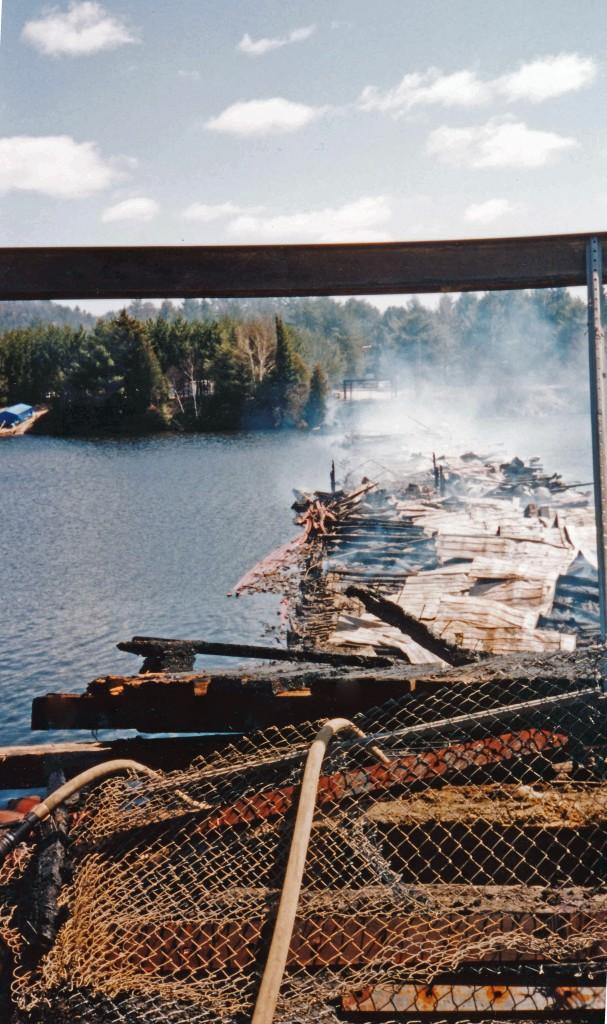 1995-05-24 Incendie du pont Bowman_0002