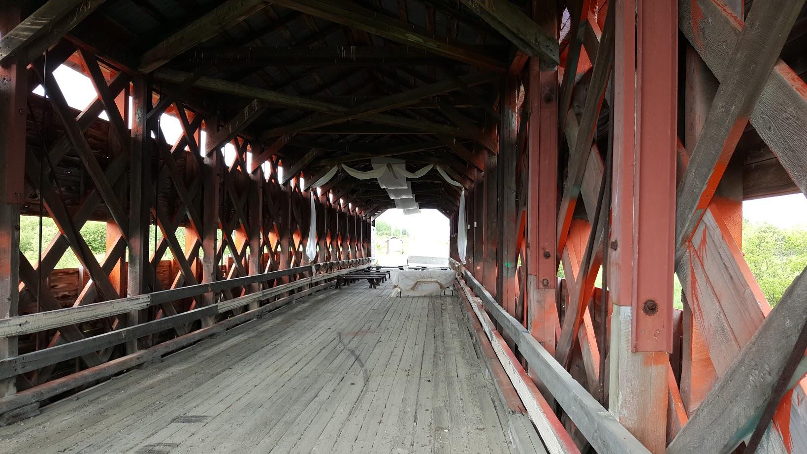 sur la route des ponts couverts avec pierrick les ponts couverts au qu bec. Black Bedroom Furniture Sets. Home Design Ideas